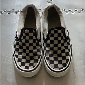 Men's 5.5 Vans. These could be for men or women